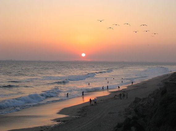 2014-08-05-800pxSunset_at_Huntington_Beach.jpg