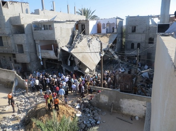 2014-08-06-The_home_of_the_Kware_family_after_it_was_bombed_by_the_military.jpg