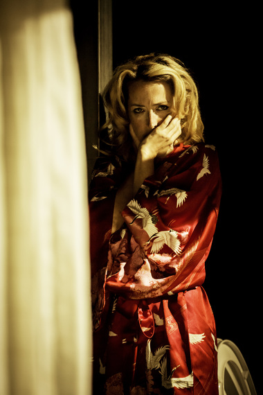 2014-08-09-YVStreetcarGillian_Anderson_as_Blanche_DuBois_Photo_by_Johan_Persson.jpg