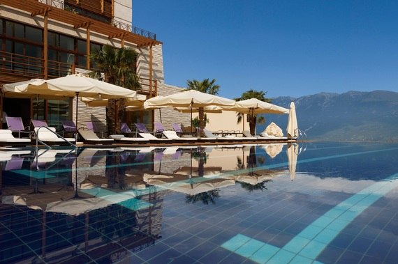 2014-08-11-LefayResortandSpaLagodiGarda_pool.jpg