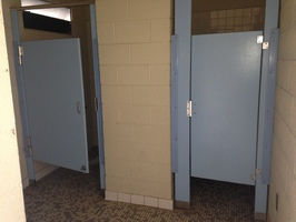 HuffPost & An Open Letter to the Woman Who Kicked in My Bathroom Stall ...