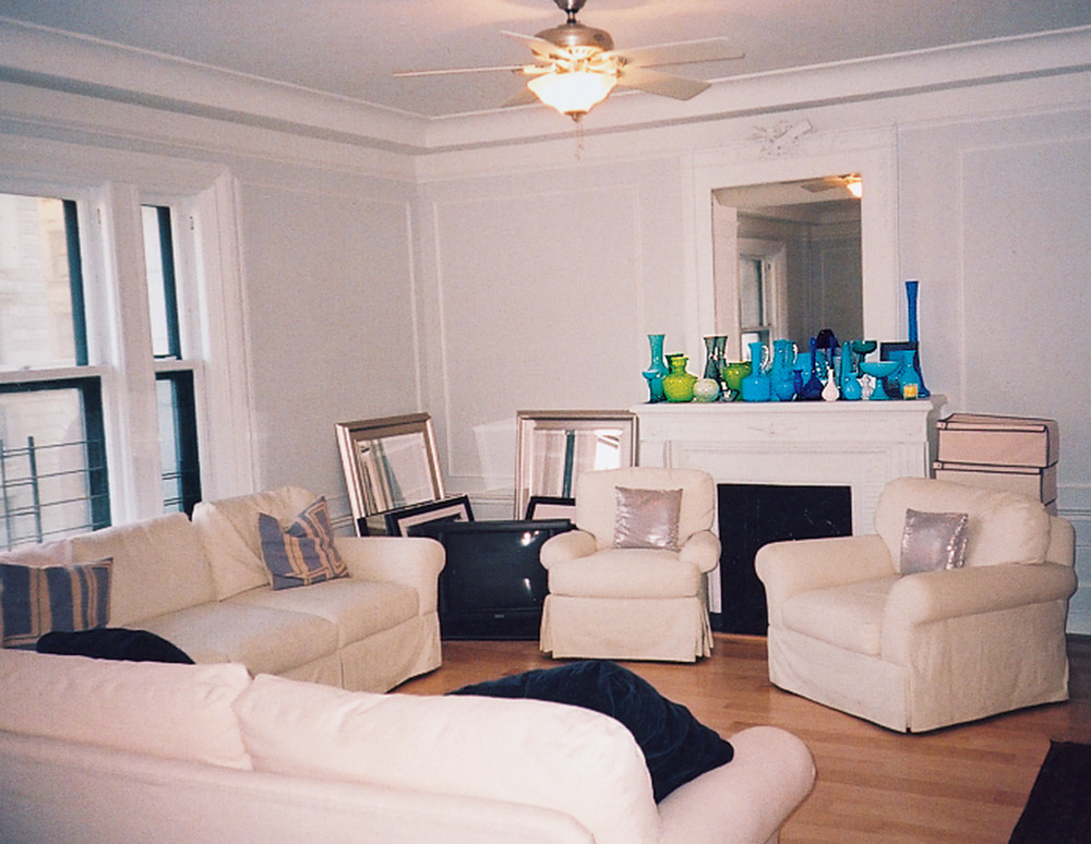 8 unbelievable living room makeovers huffpost for Living room makeovers