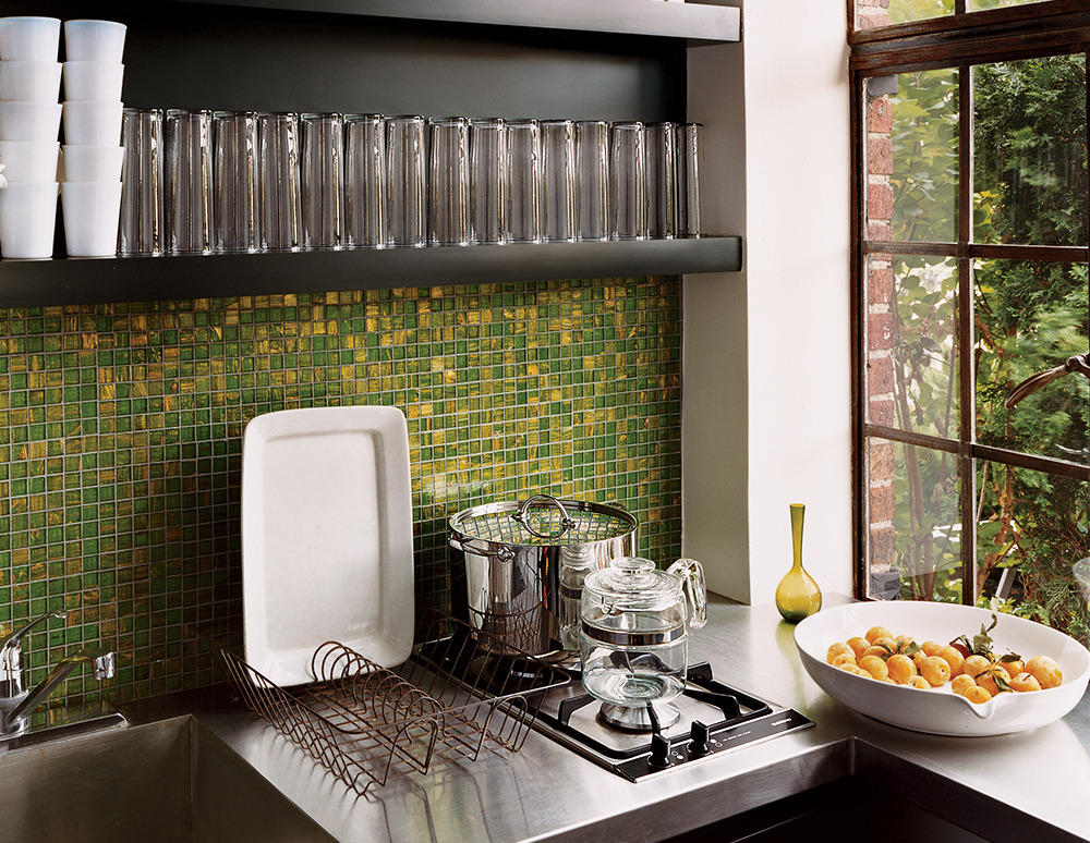 8 Amazing Small Kitchen Decorating Ideas   HuffPost - photo#32