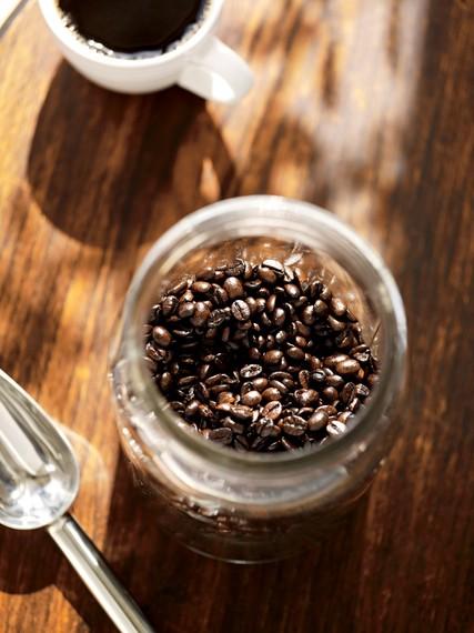 2014-08-17-Starbucks_Coffee_Roasted_Cover_Above.JPG