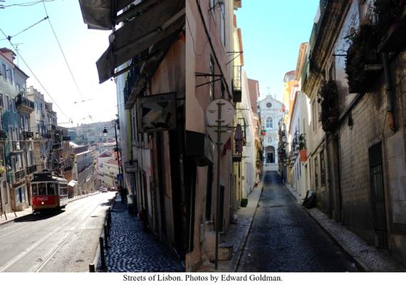 2014-08-19-HP_1_Banner_Lisbon_Trolley.jpg