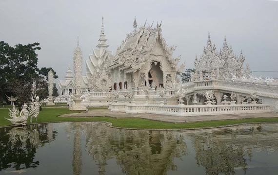 2014 08 19 TIA WhiteTemple Thailand Cara1 thumb - 5 Key Tips for Southeast Asia Travel
