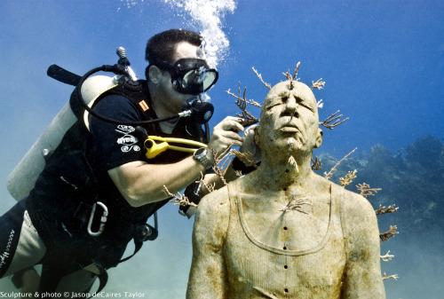 2014-08-20-CancunUnderwaterMuseum_ManOnFire.500.jpg