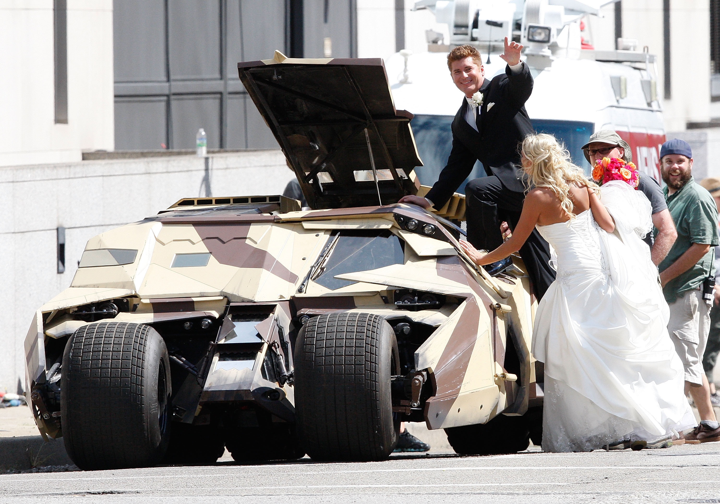 2014-08-21-WEDDINGBATMAN_original.jpg