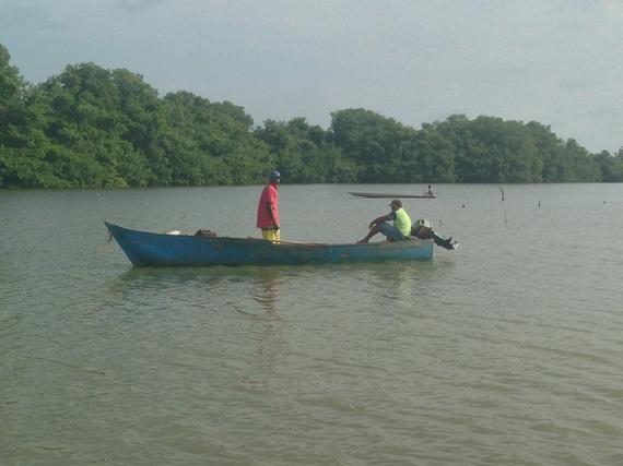 2014-08-21-pescadoresmanglar.jpg