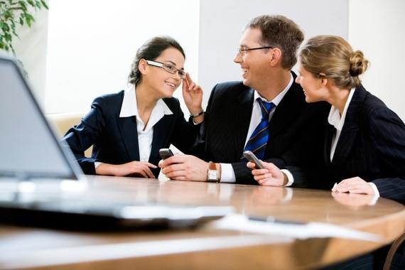 2014-08-25-businesspresentationmakingalaughinwork720x480.jpg