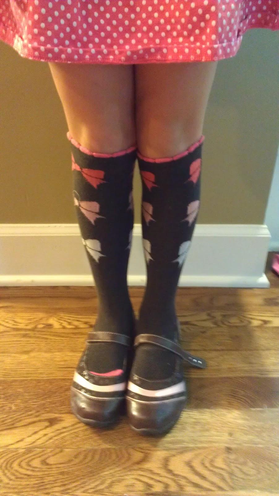 2014-08-26-kneesocks.jpg