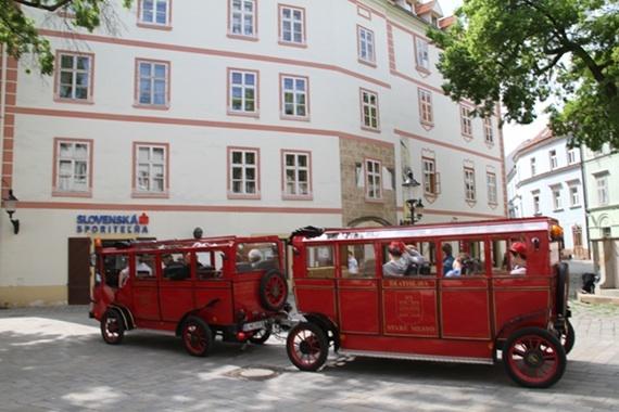 2014-08-26-tourbus2.jpg