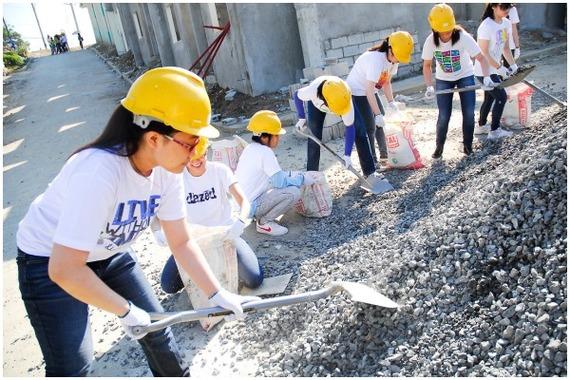 2014-08-26-volunteer.jpg