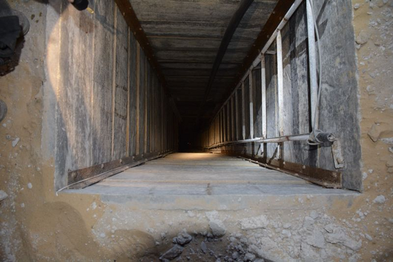 2014-08-28-AccessPointotOneofTheTunnelsIDF.png
