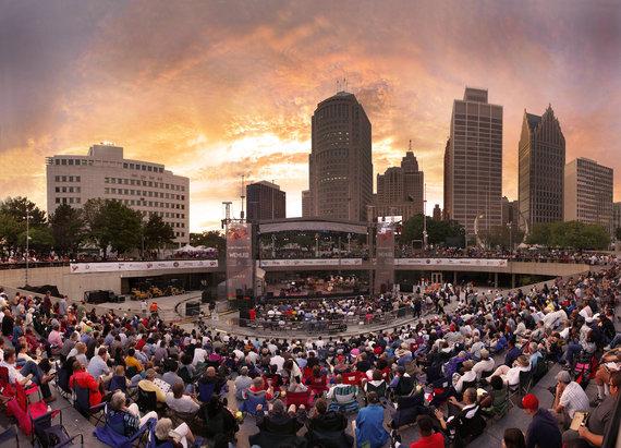 2014-08-28-rsz_detroit_jazz_festival_panoramic_photo2.jpg