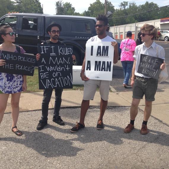 2014-08-30-Fergusonprotesters.JPG