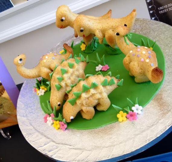 2014-08-30-cakedinosaurs.jpg