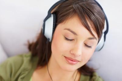 2014-09-02-womanheadphonessleep.jpg