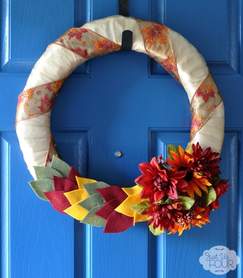 2014-09-04-fallfeltleafwreath_wm.jpg
