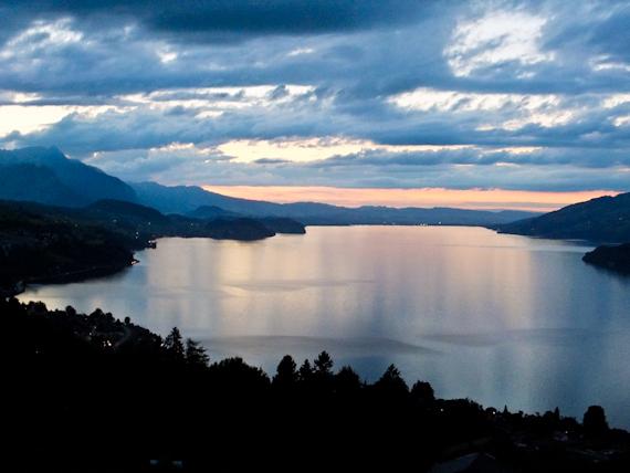2014-09-09-LakeThunDusk.jpg