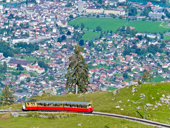 2014-09-09-TrainwithInterlaken.jpg