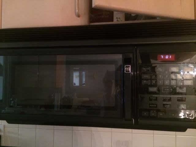 2014-09-09-kitchenmicrowave.jpg