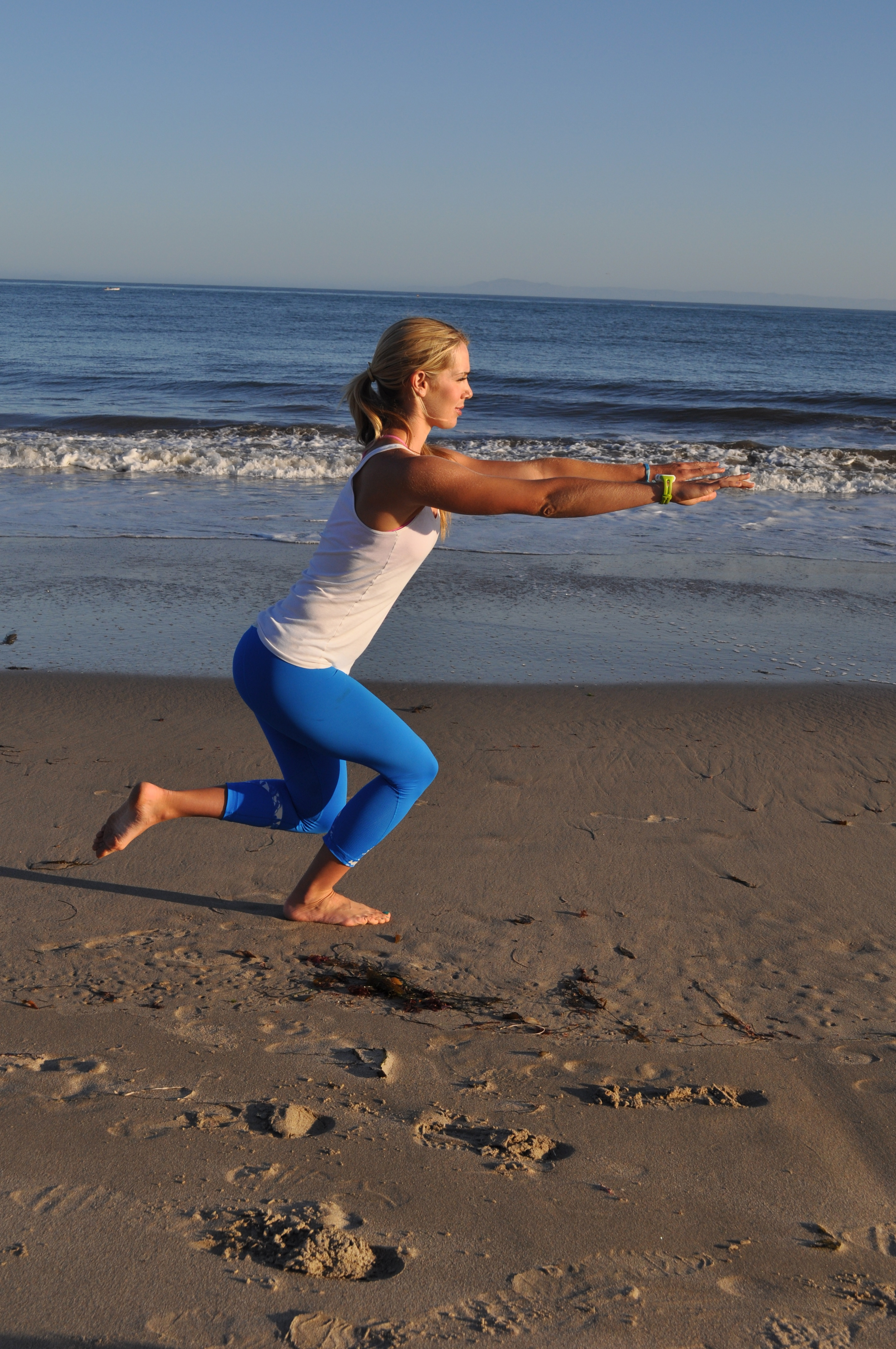 5 Exercises To Strengthen And Tone The Legs No Equipment Required Best Workout Circuit Bodyweight Leg 2014 09 10 Dsc 0884