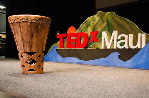 2014-09-10-TEDxMauiStage2013ByPeterLiu.jpg