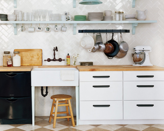 2014-09-11-kitchenL.jpeg