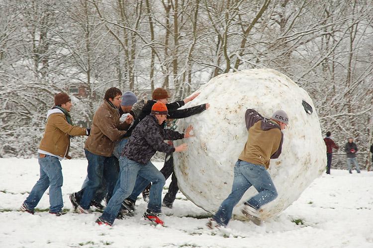 2014-09-12-Giant_snowball_Oxford.jpg