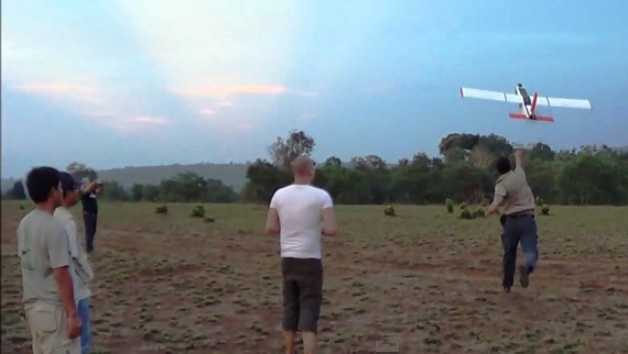 2014-09-18-TonyLynamlaunchesdrone2.jpg