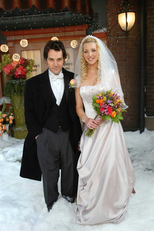 20 wedding lessons we learned from 39friends39 huffpost for Friends wedding dress