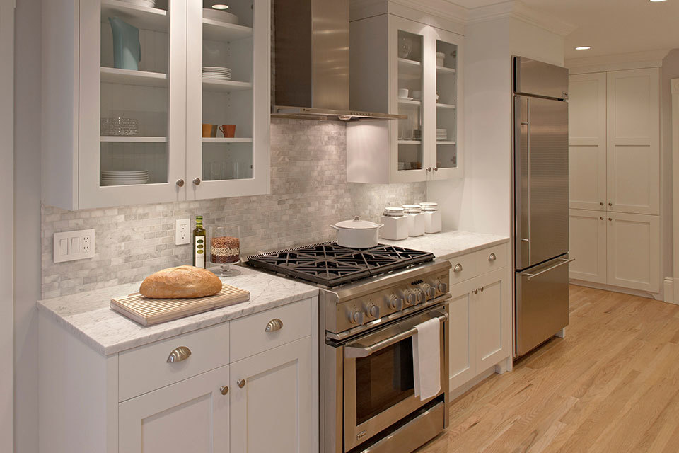 12 luxury all white kitchens with a tasteful attention to for Small white galley kitchen ideas