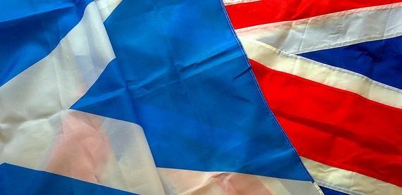 2014-09-19-800pxScottish_and_British_flags.jpg