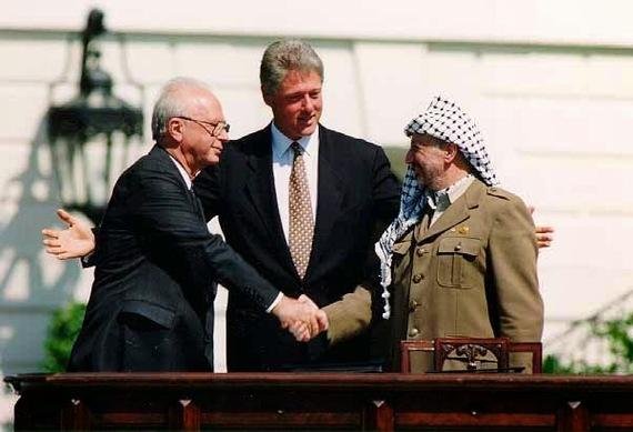 2014-09-19-Bill_Clinton_Yitzhak_Rabin_Yasser_Arafat_at_the_White_House_19930913.jpg