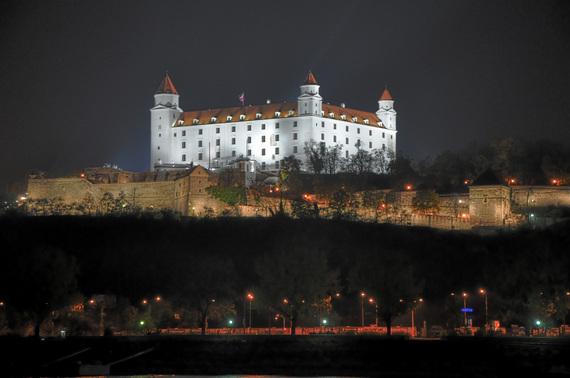 2014-09-22-BratislavaCastleatNightbyJurajKubica.jpg