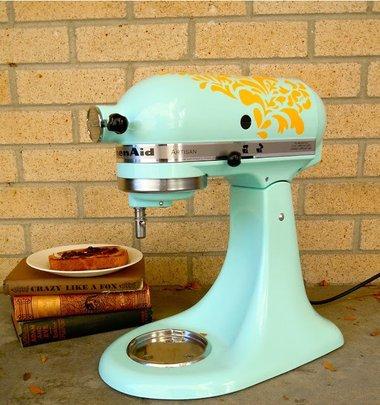 2014-09-22-DIYKitchenIdeasstenciledappliances.jpg