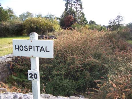 2014-09-25-hospital_sign.jpg