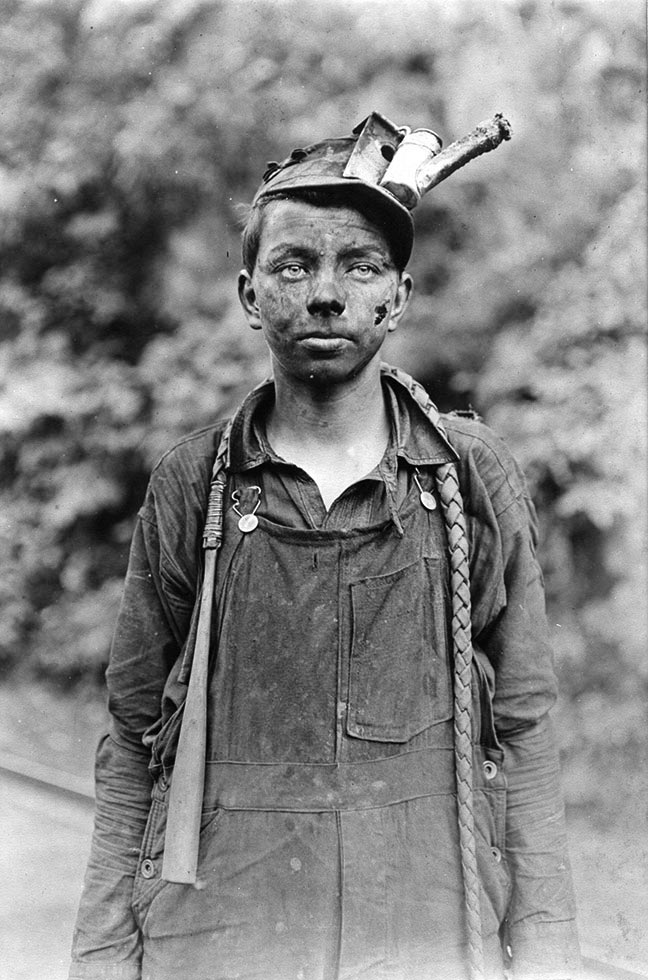 lewis hines English: lewis hine, 1920 power house mechanic working on steam pump records of the work progress administration (69-rh-4l-2) lewis hine's 1920 power house mechanic working on steam pump, one of his work portraits, shows a working class american in an industrial setting.