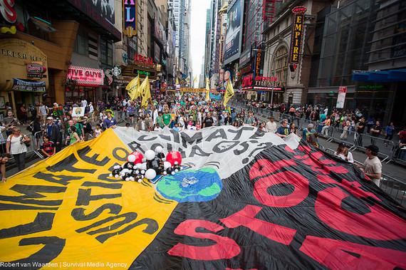 2014-09-28-TheEconomistimageofClimateMarchbyOee_forAP2IUAEFvDO.jp.jpg