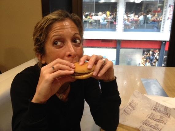2014-09-29-blogburgerhappy.JPG