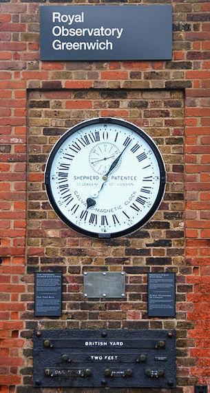 2014-10-01-322pxGreenwich_clock.jpg