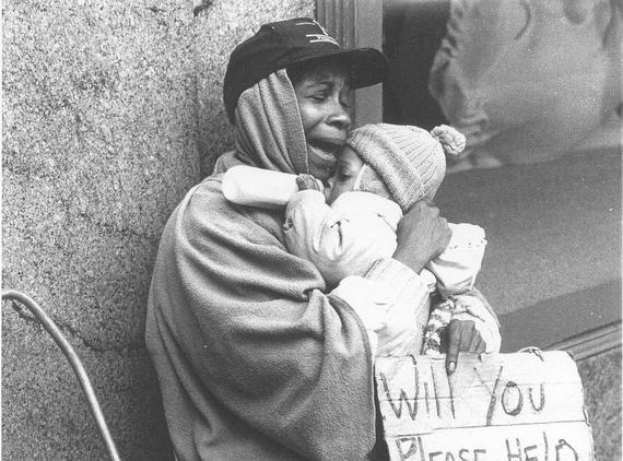 2014-10-02-blackmotherchildhomeless3.jpg