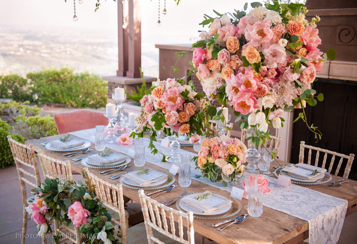 16 ways to create the perfect lace wedding huffpost for Le jardin le muy
