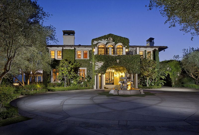 7 things anyone can learn from a list celebrity homes for Sale things from home