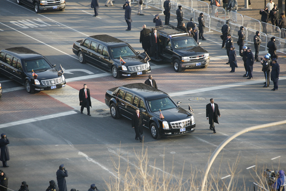 2014-10-04-Obama_Cadillac_limousine_in_2009_inaugural_parade.jpg