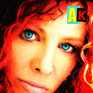 2014-10-06-AmandaKravatAKEP2014coverlores2.jpg