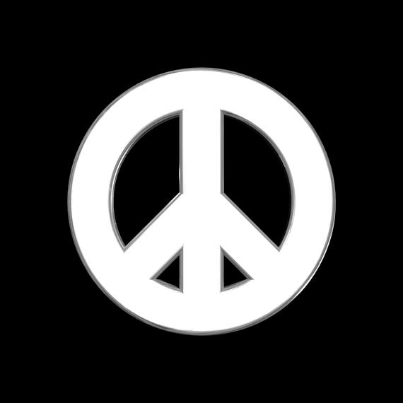 2014-10-06-PeaceSignsculptureFront.JPG