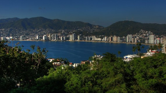 2014-10-06-acapulco_bay_view_Desktop_Resolution.jpg