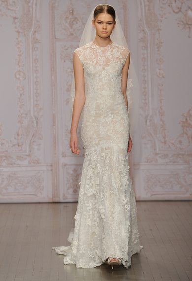 2014-10-11-moniquelhuillierlaceweddingdress03.jpg